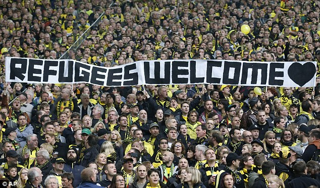 refugees-welcome1