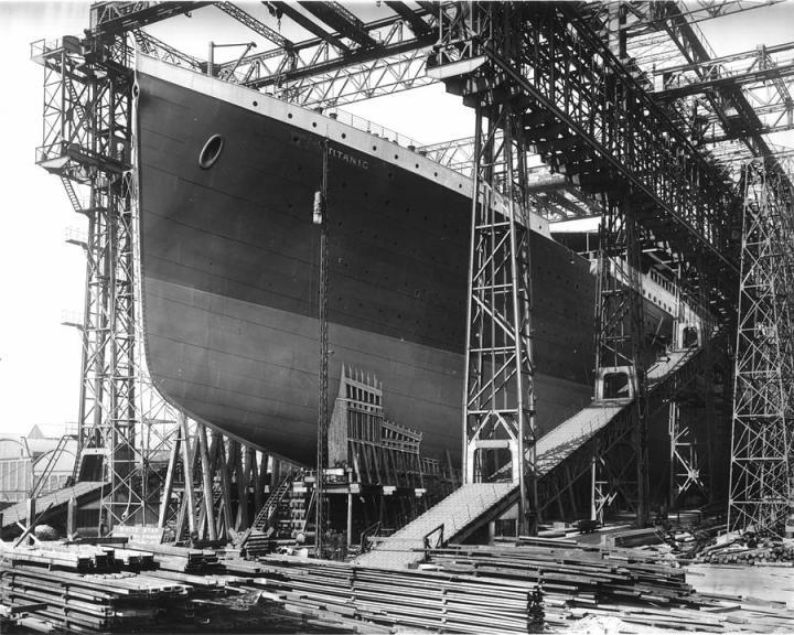 titanic-under-construction-stefan-kuhn
